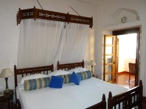 Serena Hotel room